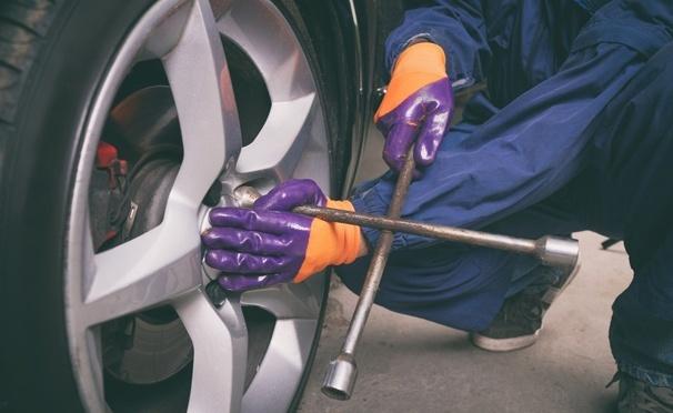 Скидка на Шиномонтаж, балансировка + экспресс-мойка 4 колес до R19 в автосервисе на «Тульской». Скидка до 70%