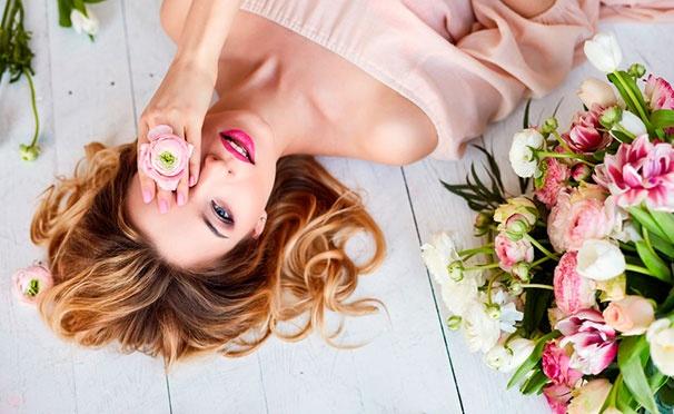 Скидка на Скидка до 94% на фотосессию для одного, двоих или компании до 4 человек в сети студий Nice-Photos: услуги стилиста, макияж, обработка фотографий, разнообразный реквизит и не только