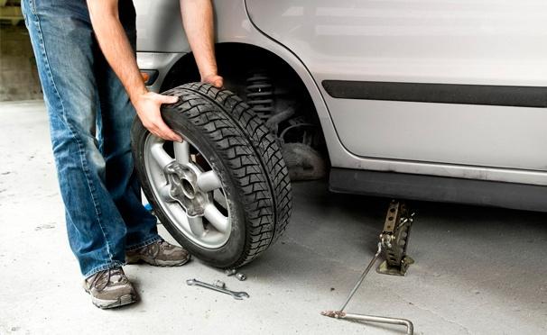 Скидка на Скидка 68% на шиномонтаж и балансировку четырех колес до R17 в автотехцентре «Автостимул»