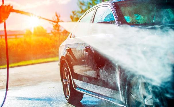 Скидка на Комплексная премиум-мойка и полная химчистка автомобиля в автосервисе «Акваплюс». Скидка до 80%